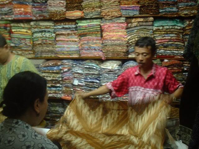 MADIUN DAN SEKITARNYA Pasar Klewer Pasar Batik Terbesar Di Indonesia