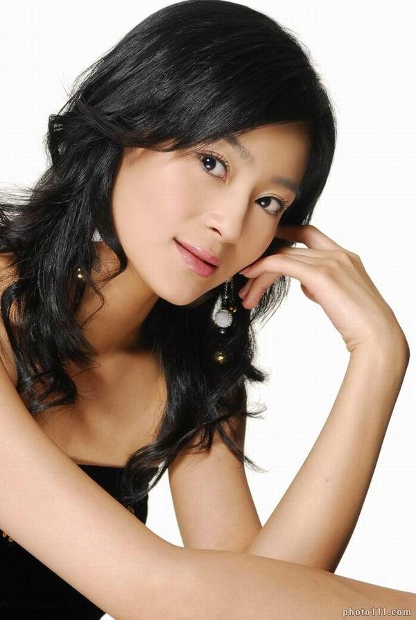 Fashion Female And Have Fun Chinese Girl Wang Yuan Ke