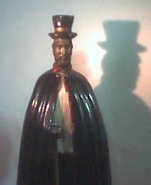 2f658200c Foi um Bruxo com profundos conhecimentos sobre os mistérios da Magia negra,  da Alquimia, da quimbanda e dos poderes dos feitiços praticados com os  elementos ...