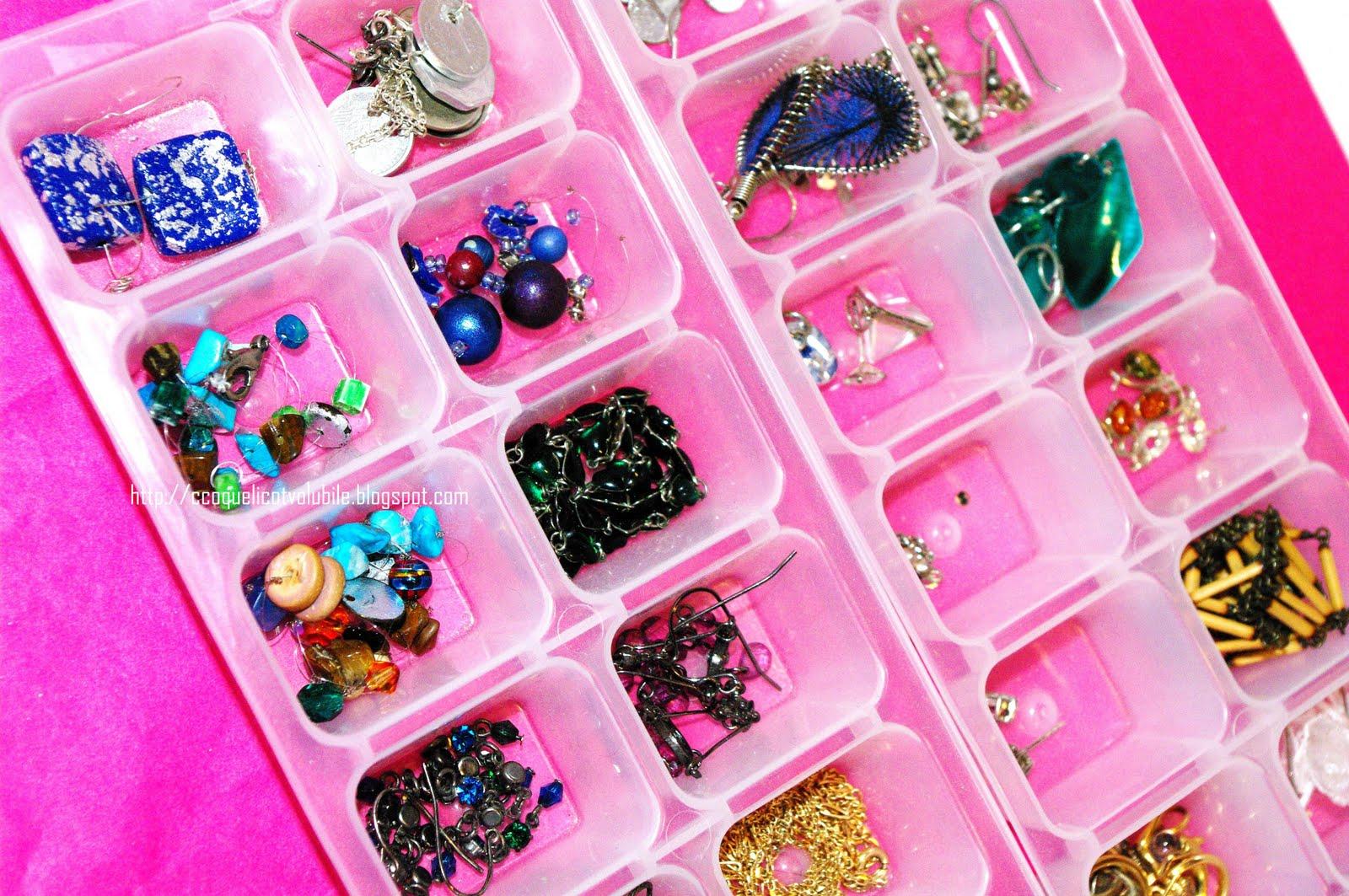 coquelicot volubile comment ranger ses bijoux bracelets colliers boucles d 39 oreilles. Black Bedroom Furniture Sets. Home Design Ideas