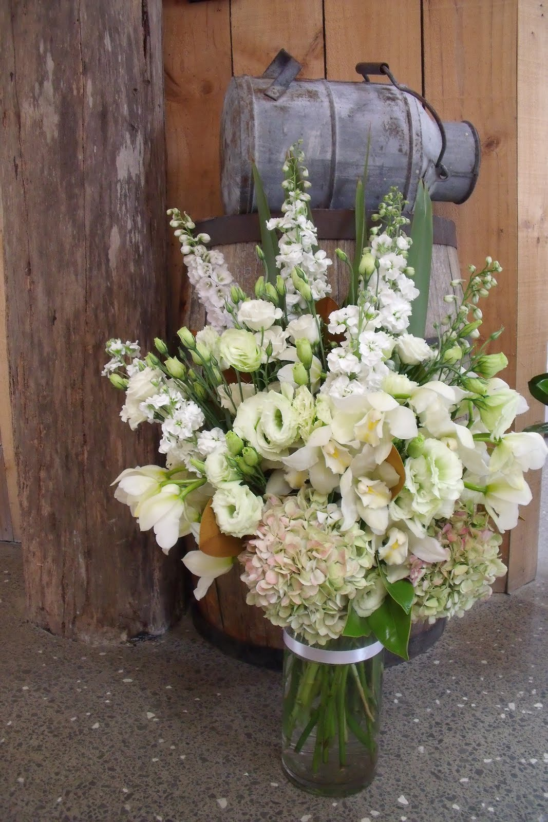 Vidabela: Rustic Themed Wedding Flowers