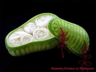 Шкатулка с цветами из тыквы.