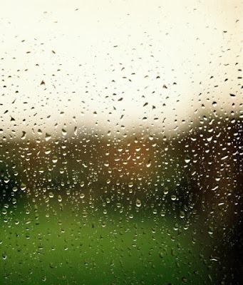 Сквозь мокрое стекло.