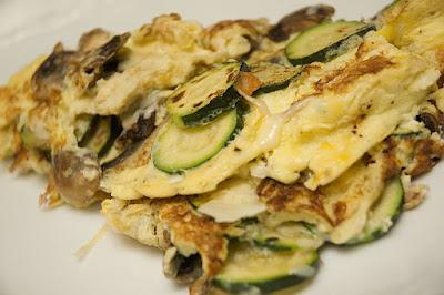 omelette aux champignons et zucchinis doumdoum se r gale. Black Bedroom Furniture Sets. Home Design Ideas