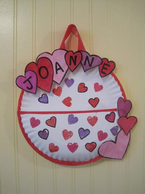 Crafts for Kids: Paper Plate Valentine's Day Card Holder