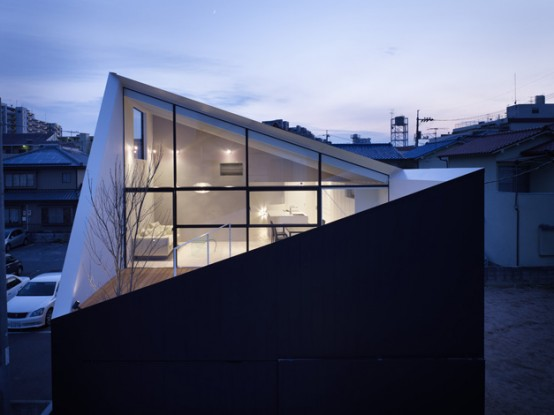 Minimalist Japanese Wrap House by Future Studio