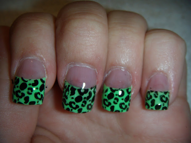 cheetah acrylic nail design