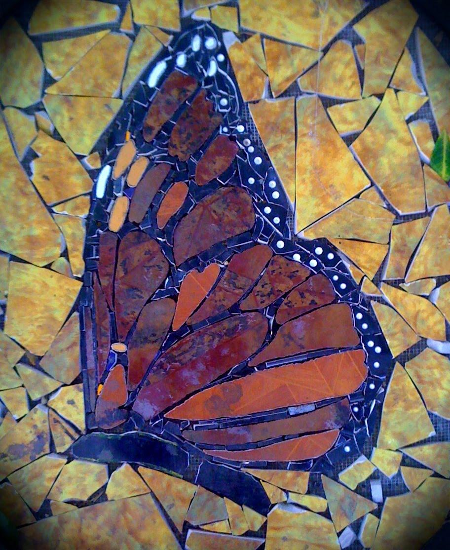 La bloga dreaming of mosaic mariposas en el monte for Mosaic art pictures