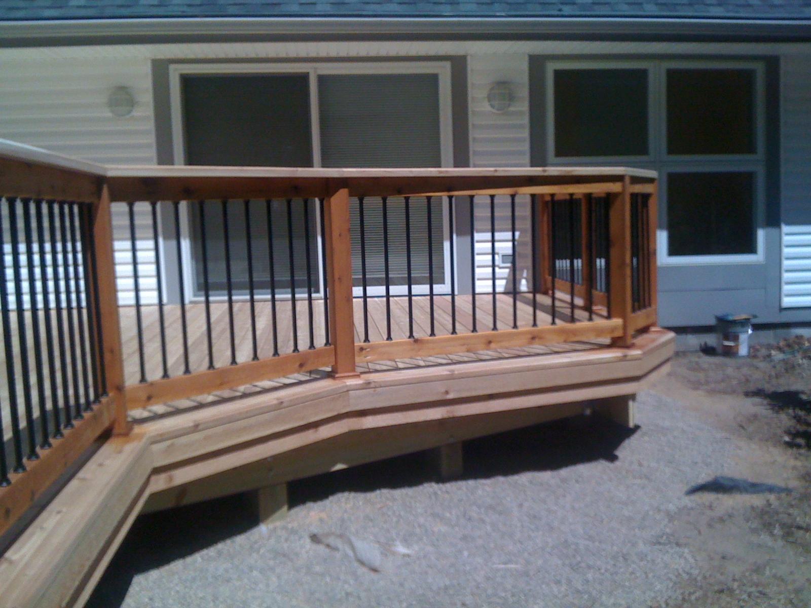 Outdoor Living: Shelby Township MI Cedar Deck