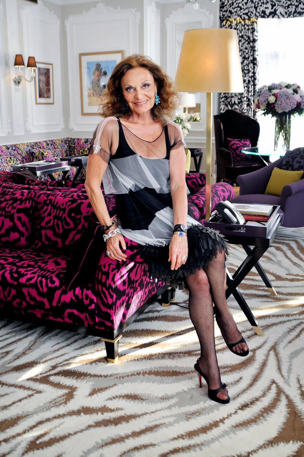 simply fabulicious breakaway diane von furstenberg. Black Bedroom Furniture Sets. Home Design Ideas