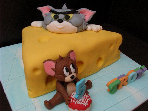 Lovely Cake Decoration: Tom and Jerry