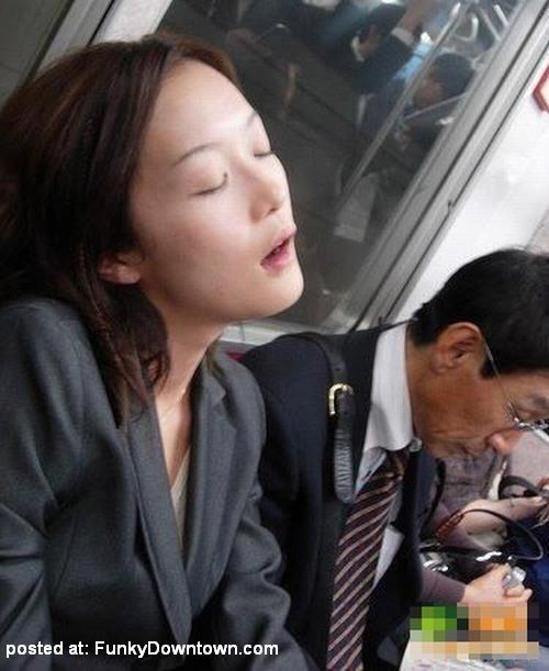 posisi tidur paling lucu dan kocak olongolong blogspot com