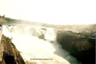 My India Travel Dhuandhar Falls Bhedaghat