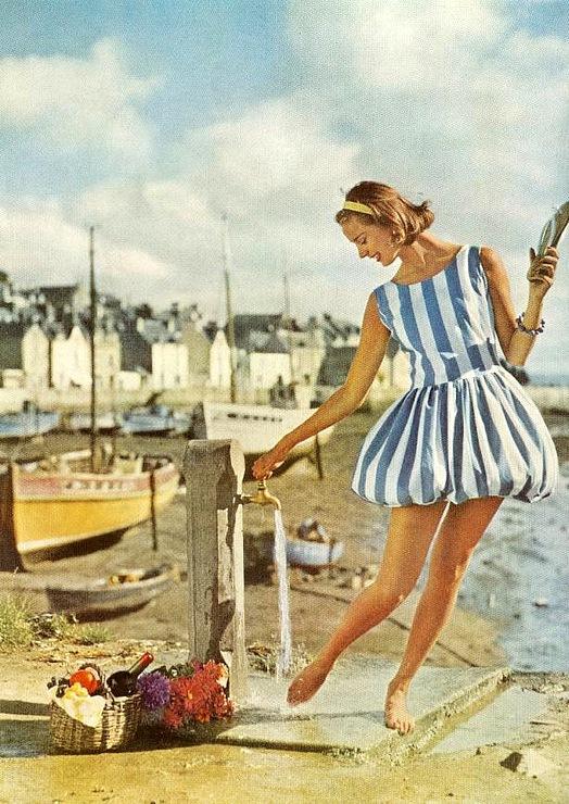 My Vintage Love Affair: First day of summer! Beach queens ...  Retro