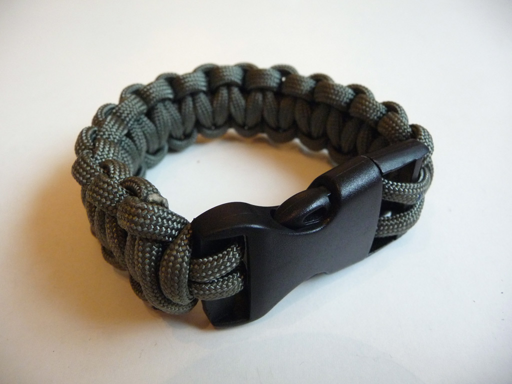 Going Lighter Paracord Bracelet