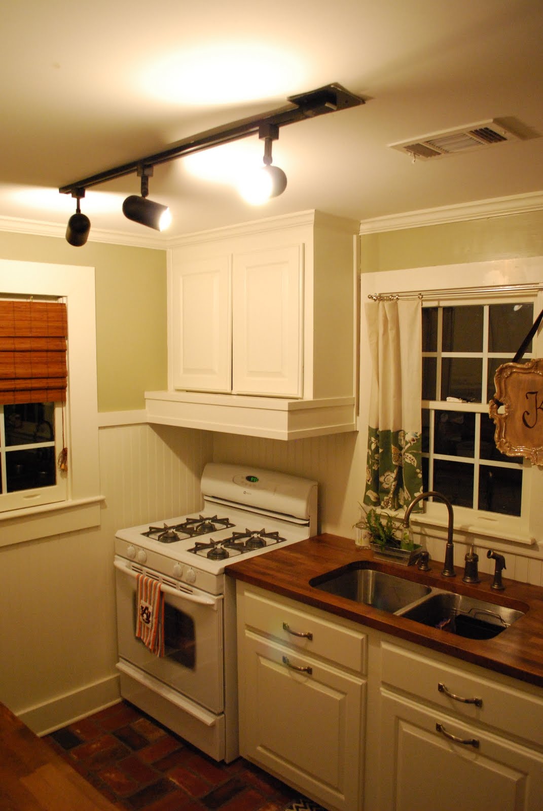 this & that: Kitchen Lighting