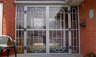 Puertas metalicas portones puertas de madera for Puertas metalicas para exteriores