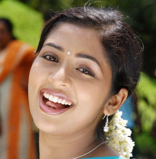Actress Galaxy XXX: Mallu Beauty Actress Navya Nair