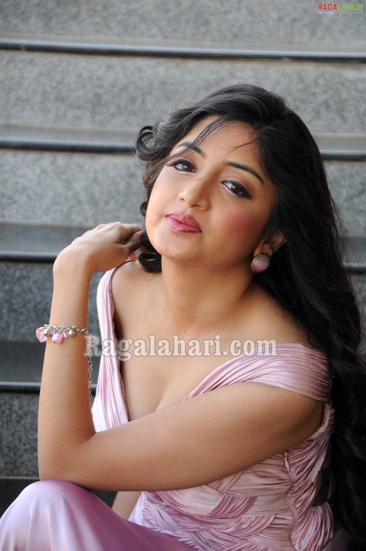 Models World Poonam Kaur Hot-3441