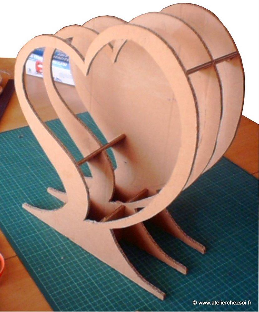 au fil du temps le blog d 39 h lid e tutoriel urne coeur en carton recycl. Black Bedroom Furniture Sets. Home Design Ideas