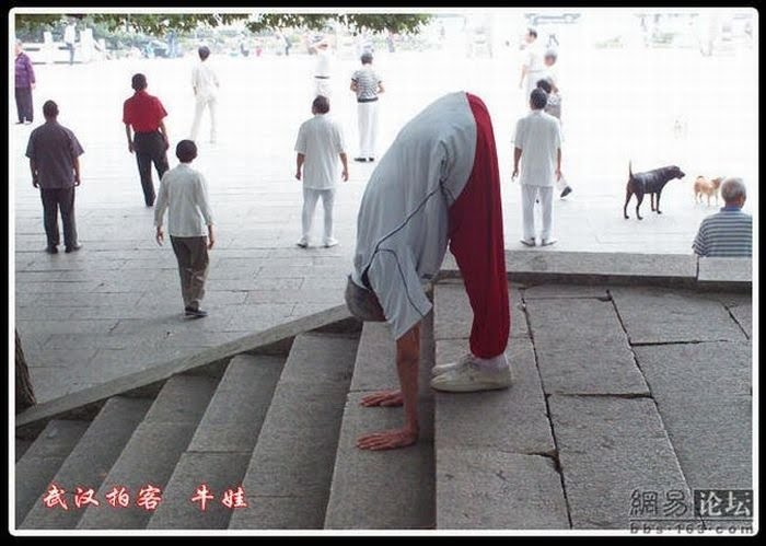 91 years old Flexible grandpa