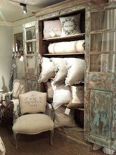 lilisa et cie. Black Bedroom Furniture Sets. Home Design Ideas