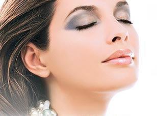 1b8f12803 El maquillaje ha tenido y tiene una enorme importancia en la historia de la  estetica humana. En todas las épocas, se ha buscado la mejor forma de  realzar la ...