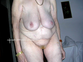 omageil droopy tits
