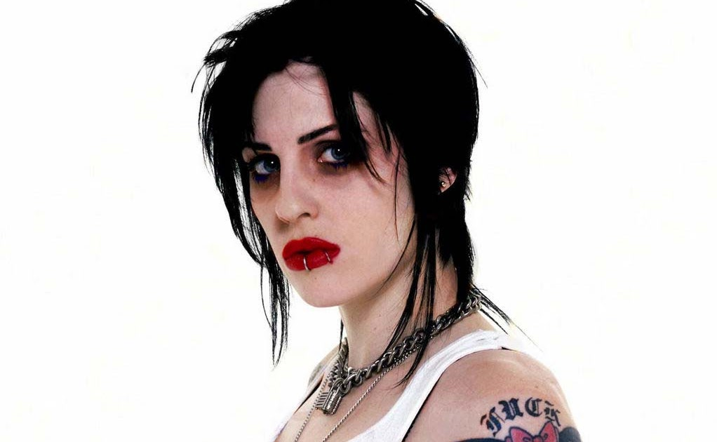 Brody Dalle Nude Photos 40