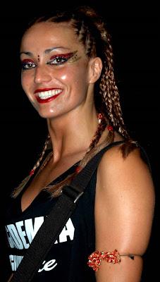Spanisch braunen Augen und roten Haaren Schlampe Joana Rios nimmt doppel penetration