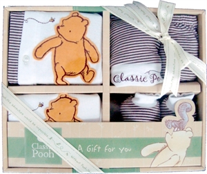 b754a79470a2 Pooh 6 in 1 Gift Set is 100% Cotton made