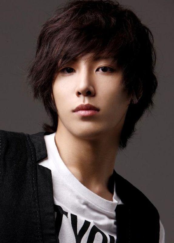 Hot Asian Guy Hairstyles 8