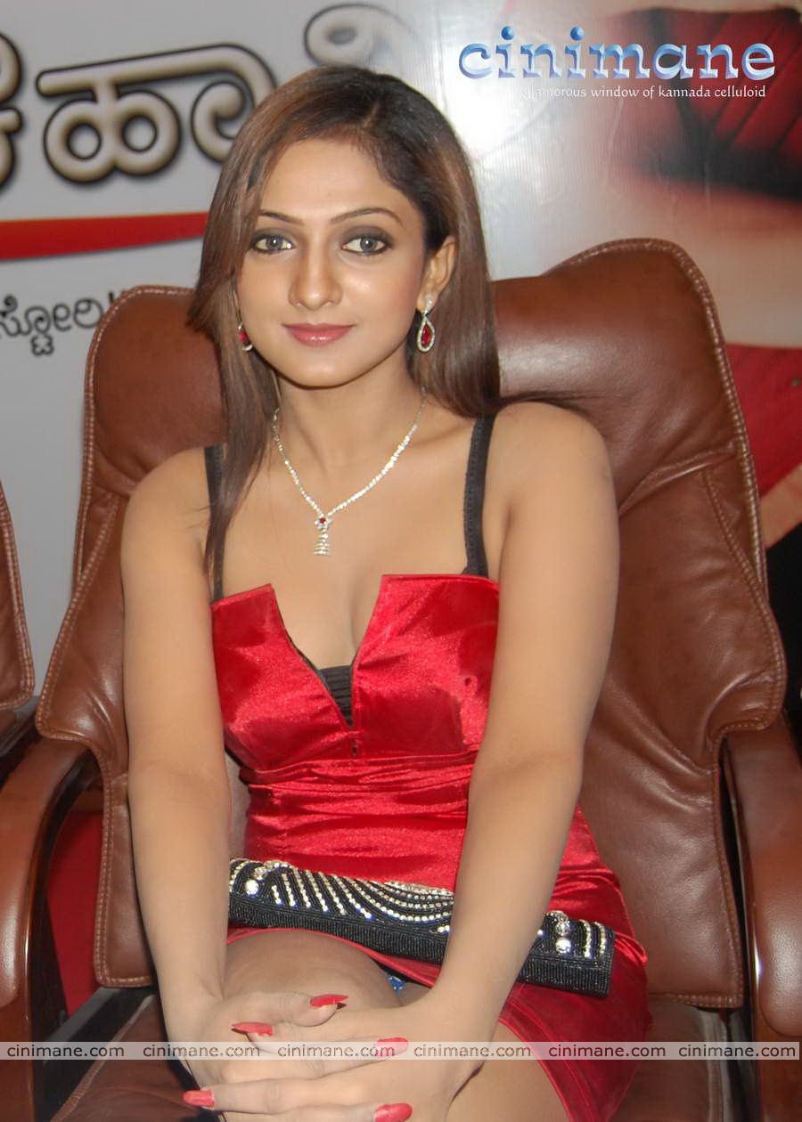Indian Actress Panty Visible Pictures 2  Cine Clock-4274