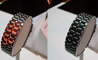 relógio LED, criação de Hironao Tsuboi, em breve estará à venda. Ele parece  apenas uma pulseira de relógio. Com o apertar de um botão, aparece a hora  certa, ... 7f034f8902