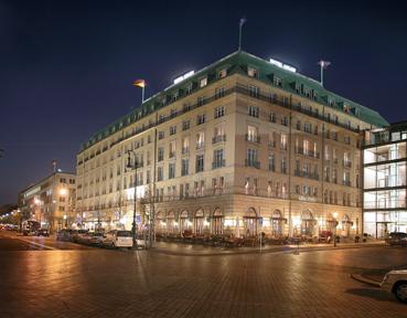 in between luxury spaces hotel adlon kempinski berlin. Black Bedroom Furniture Sets. Home Design Ideas
