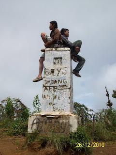 Dolok Hole Burangrang Jawa Barat Indonesia 2050 Mdpl