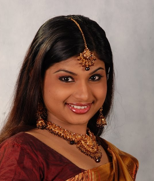 Veena Nair Tv Anchor: Malayalam Serial Actress Photos: Malayalam Serial Actress