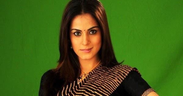 Shraddha Arya Hot Navel Show: Shraddha Arya Latest Hot Navel Show