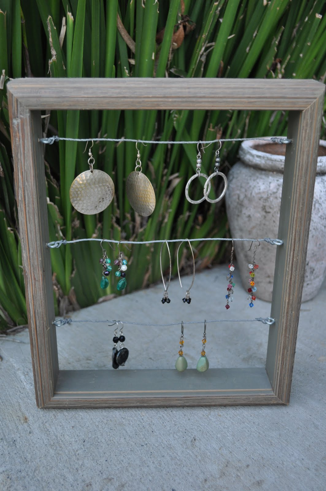 Four Harp Designs: Tutorial: DIY Earring Display & Organizer