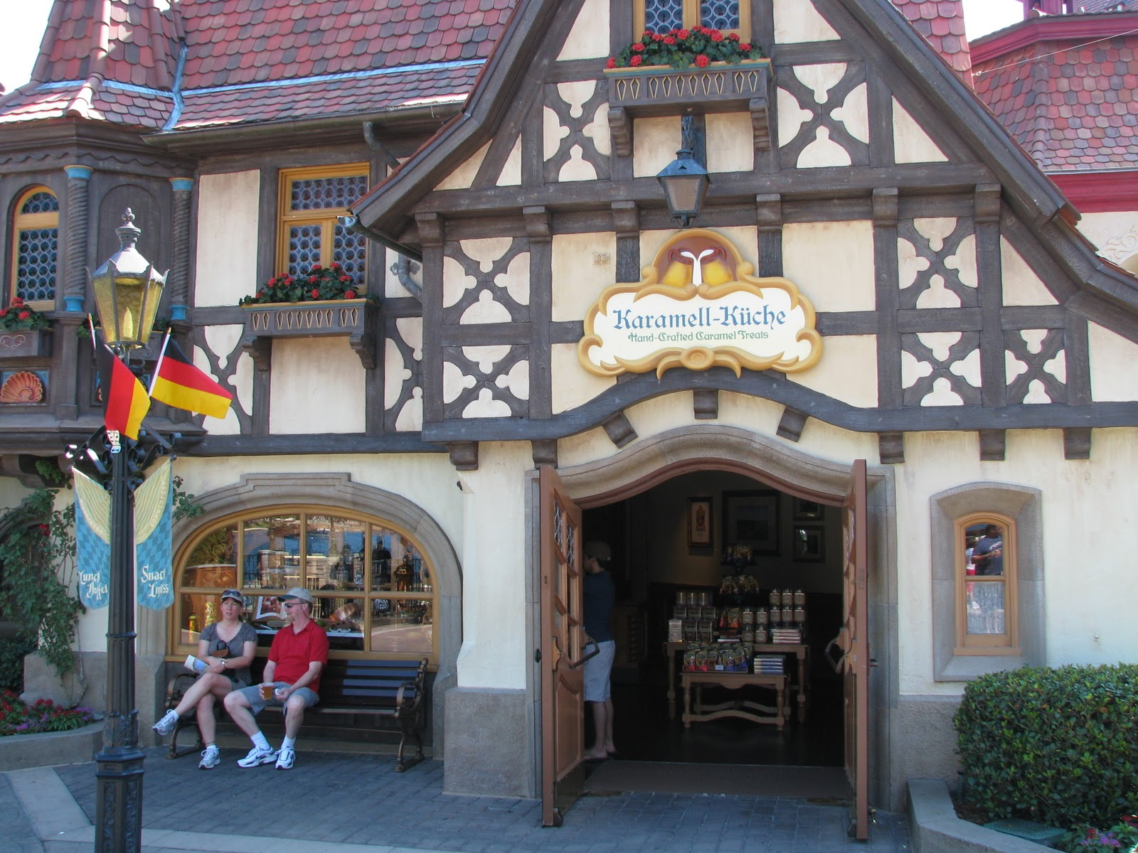 Kuche Meaning In German Disney World Welcomes Karamell Küche Shop To Epcot Germany