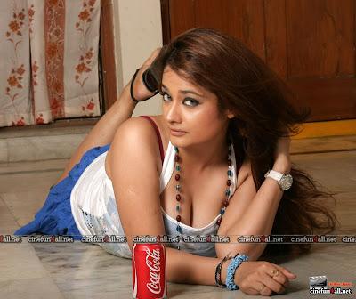 John Abraham Hd Wallpapers Force 2 Zoom On Actress Kiran Rathod