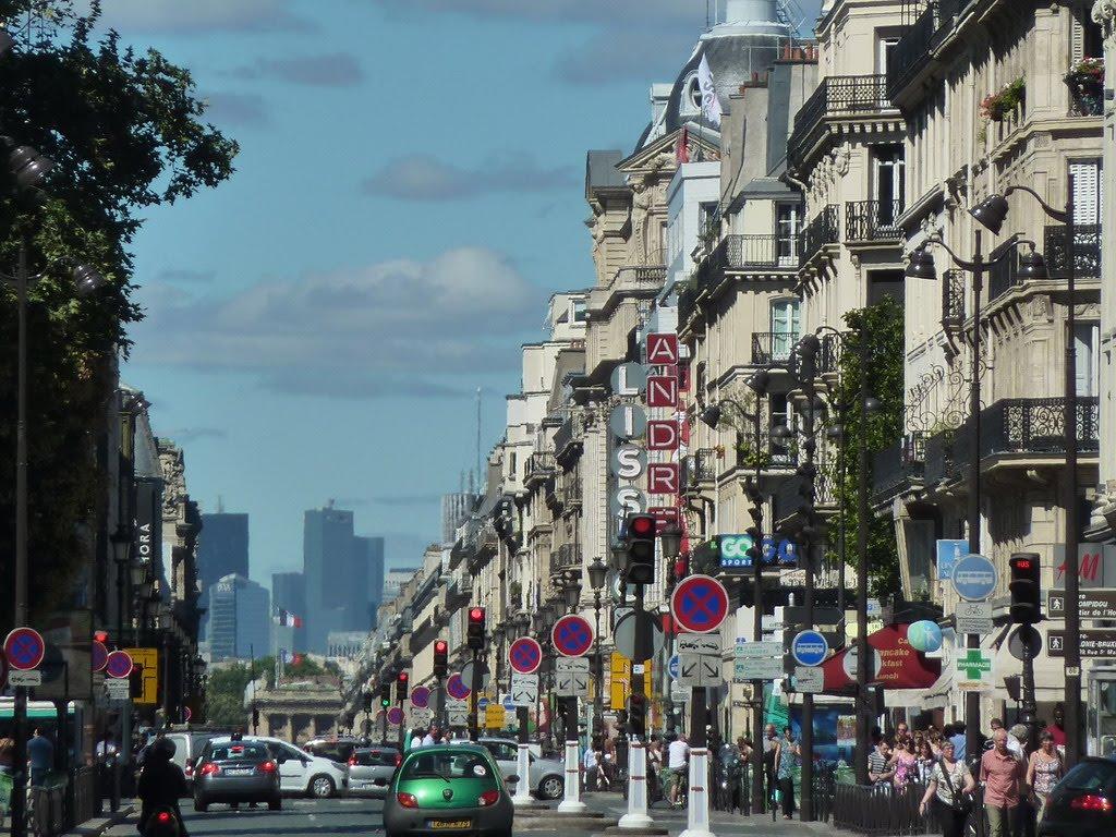 daily photo in paris rue de rivoli. Black Bedroom Furniture Sets. Home Design Ideas