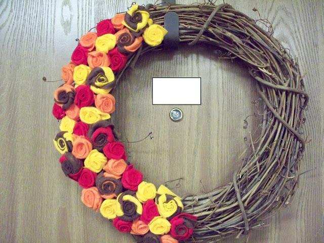 http://2.bp.blogspot.com/_cmDZYPo0r_c/TJ67f6uW_AI/AAAAAAAAAW4/-KxbRD0VCSI/s1600/wreath+012.JPG