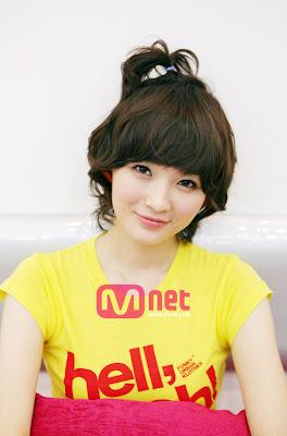 Davichi Kang Min Kyung in Hanbok 2011 | Hanbok, Korean