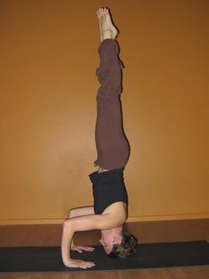 i am a yoga kaki tripod headstand salamba sirsasana ii