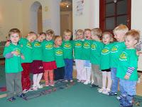 1f3163c86fd Sinilindude rühma lastele anti täna kätte midrisärgid. Kõigepealt näitasid  nad, mida on poole aasta jooksul õppinud, kuidas arvutamist õpivad ja  kuidas ...
