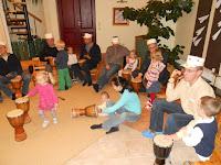 c0d05f083f4 9. novembril oli Sipsikute rühmas sagimist pisut rohkem kui muidu, sest  õhtul ootas meid ees isadepäeva trummitund. Õhtuseks peoks oli tarvis  luuletus ja ...