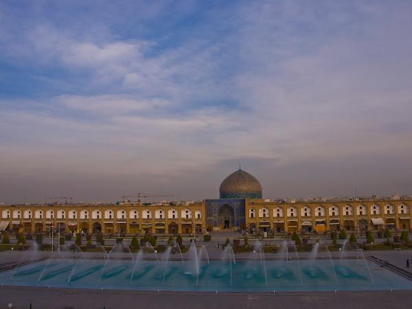 Isfahan: Separuh Dunia