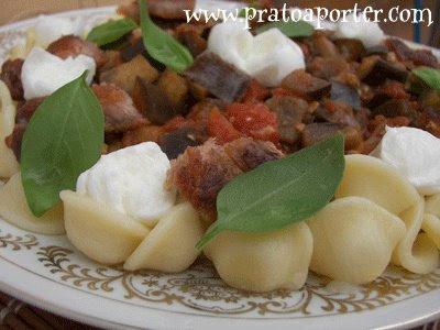 16+Prato+a+Porter Giovana Orecchiette - >Orecchiette com Pancetta, Berinjela e Mussarela de Búfala