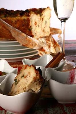 Id%C3%A9ia+Gourmet fot%C3%B3grafa+Mariana+Piza Pudim+Natalino+de+p%C3%A3o+com+frutas+cristalizadas+ +baixa - Pudim Natalino de Pão